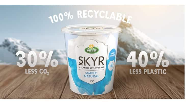 συσκευασία τυριού με την ένδειξη ότι είναι 100% ανακυκλώσιμη